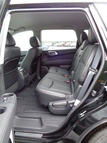 New 2017 Nissan Pathfinder 4x4 SL