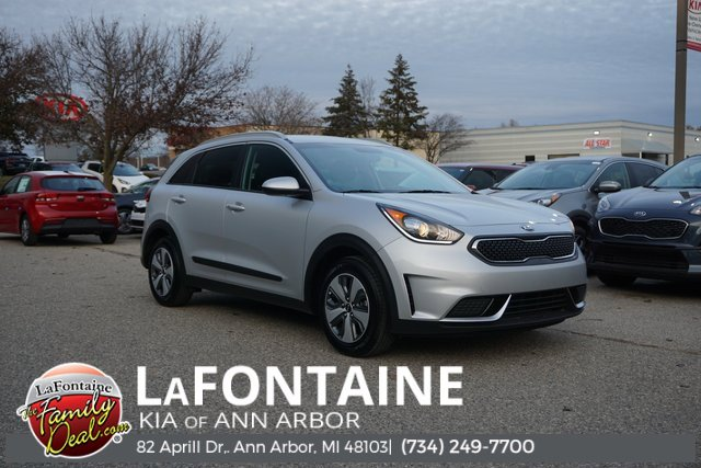 2019 Kia Niro LX SILKY SILVER CARPETED FLOOR MATS CHARCOAL  CLOTH-TRIMMED SEATS Front Wheel Driv