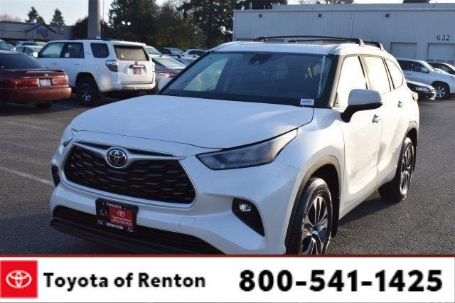 New 2020 Toyota Highlander in Renton, WA