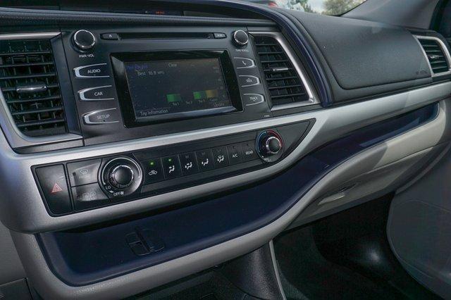 Used 2019 Toyota Highlander LE I4 FWD