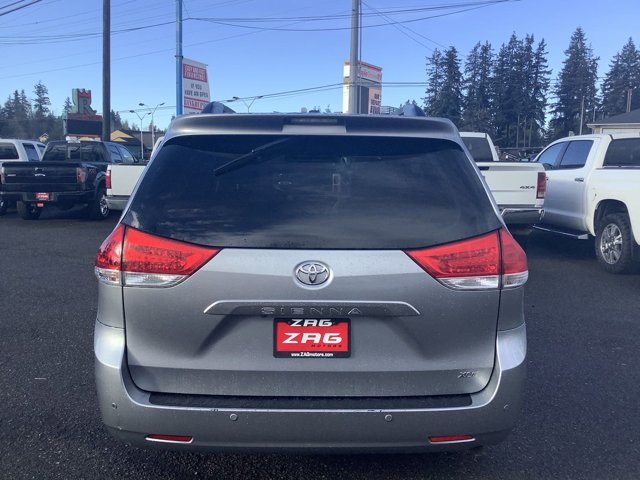 Used 2011 Toyota Sienna 5dr 8-Pass Van V6 XLE FWD