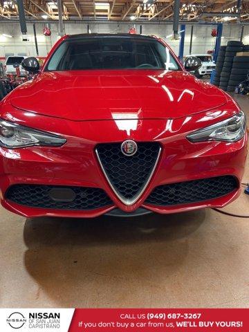 2017 Alfa Romeo Giulia Ti Ti AWD Intercooled Turbo Premium Unleaded I-4 2.0 L/122 [0]