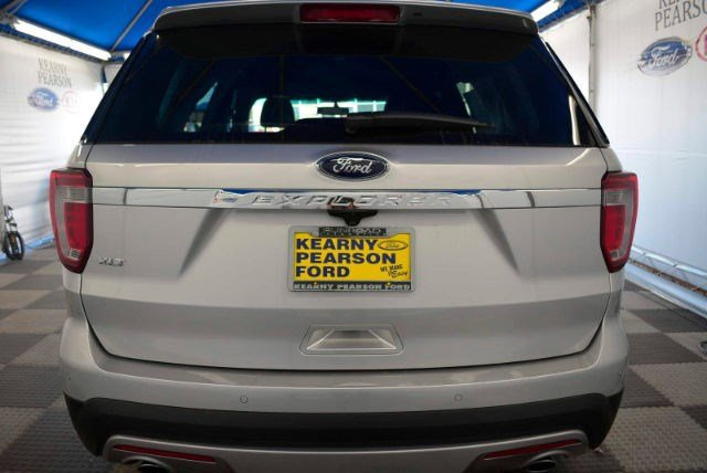 New 2017 Ford Explorer XLT FWD