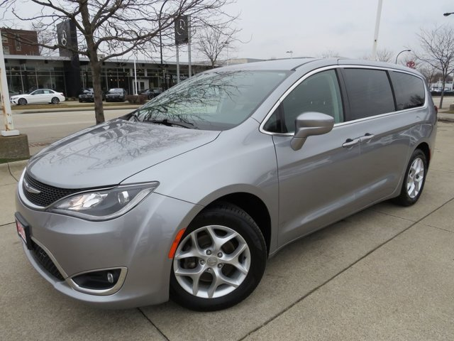Used 2018 Chrysler Pacifica in Akron, OH
