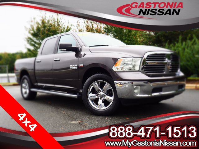 2017 Ram 1500 Big Horn Big Horn 4x4 Crew Cab 5'7″ Box Regular Unleaded V-8 5.7 L/345 [1]