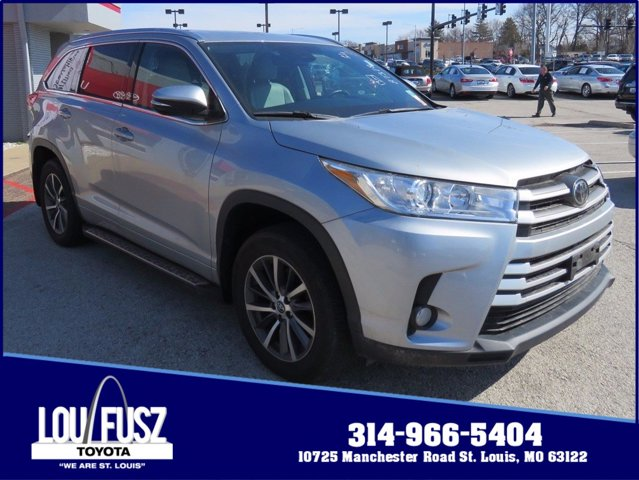 Used 2017 Toyota Highlander in St. Louis, MO