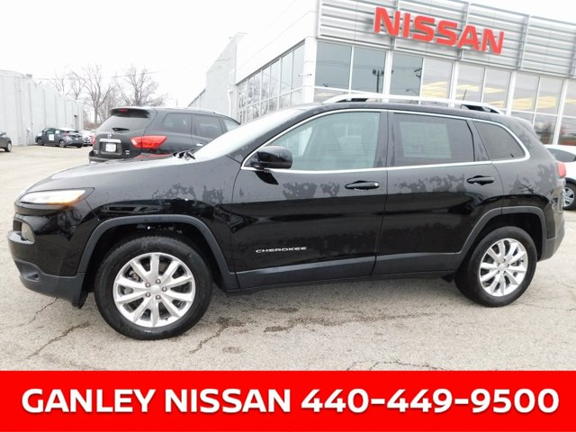 Used 2017 Jeep Cherokee in , OH