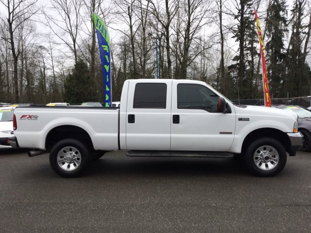 Used 2004 Ford Super Duty F-350 SRW Crew Cab 156 Lariat 4WD