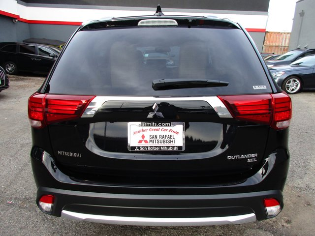 Photo 26 of this used 2017 Mitsubishi Outlander vehicle for sale in San Rafael, CA 94901