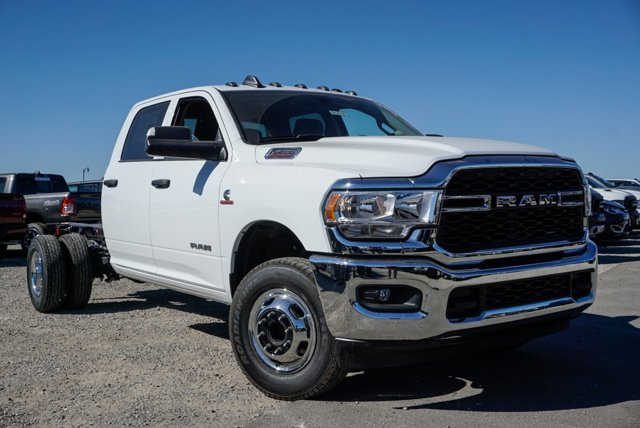 New 2019 Ram 3500 Chassis Cab Tradesman 4WD Crew Cab 60 CA 172.4 WB