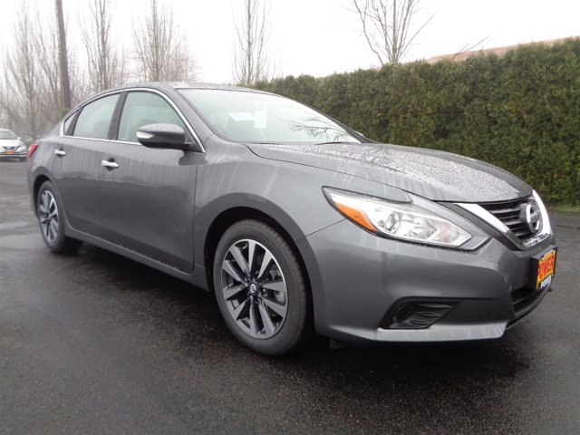 New 2017 Nissan Altima 2.5 SV Sedan