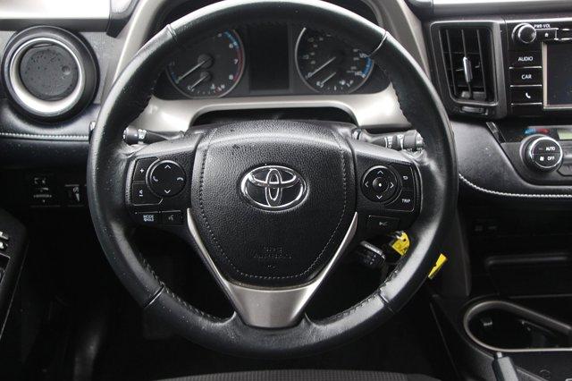 2018 Toyota RAV4 XLE 14