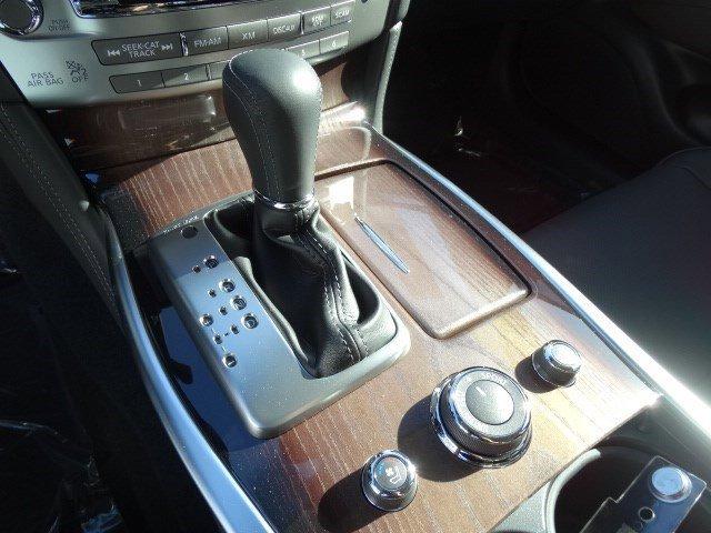 New 2016 Infiniti Q70L 4dr Sdn V6 RWD