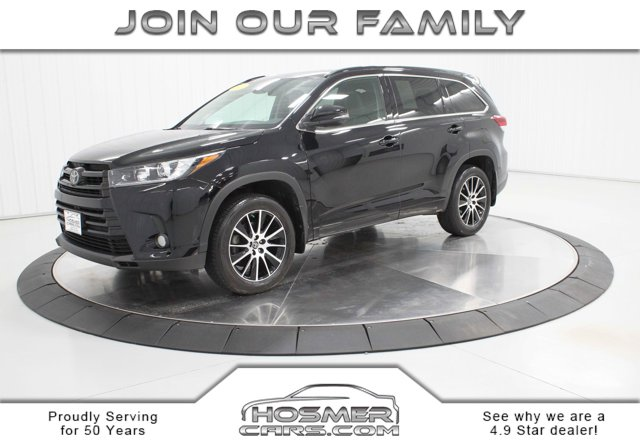 Used 2017 Toyota Highlander in Mason City, IA