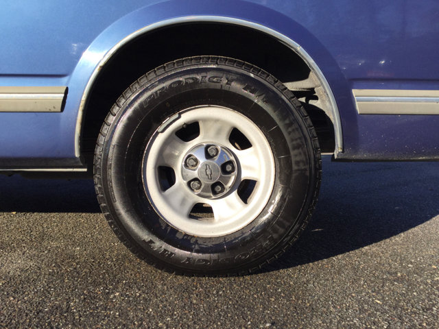 Used 1997 Chevrolet Astro Passenger Ext 111 WB RWD