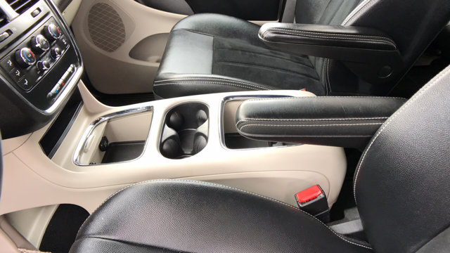 2018 Dodge Grand Caravan SXT photo