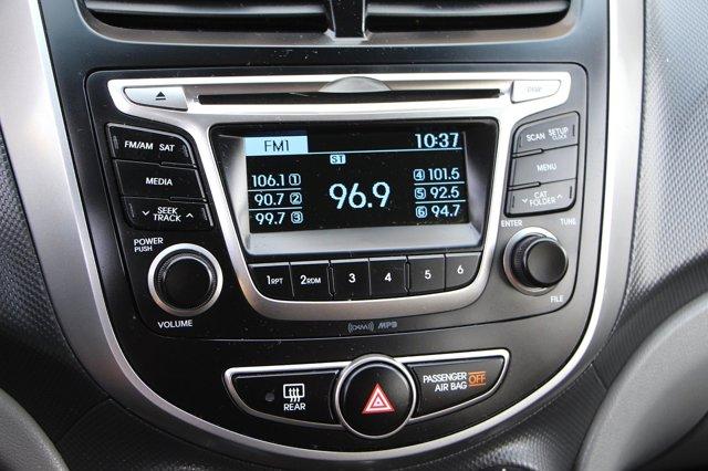2017 Hyundai Accent SE 22