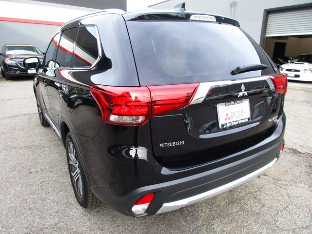Photo 25 of this used 2017 Mitsubishi Outlander vehicle for sale in San Rafael, CA 94901