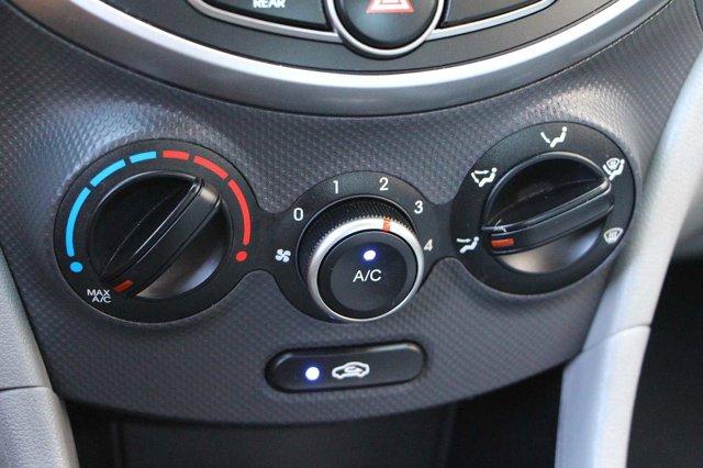 2017 Hyundai Accent SE 20