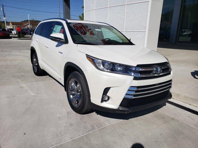 New 2019 Toyota Highlander Hybrid in Ashland, KY
