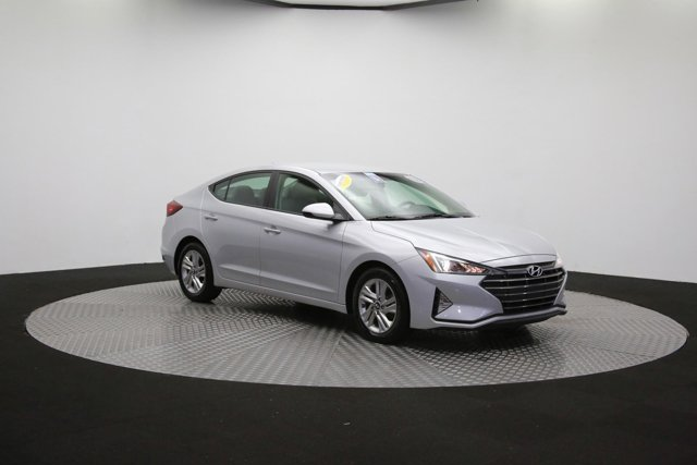 2019 Hyundai Elantra for sale 124300 44