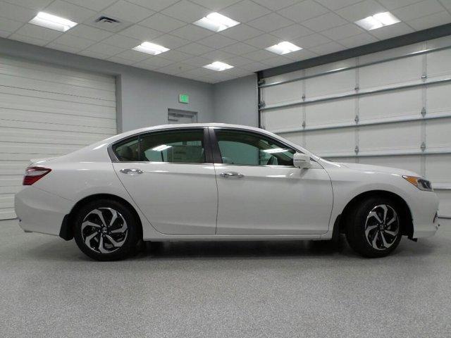 New 2017 Honda Accord Sedan EX-L CVT