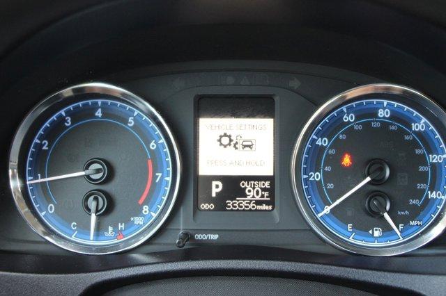 2018 Toyota Corolla LE 32