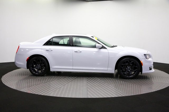 2019 Chrysler 300 for sale 122966 3
