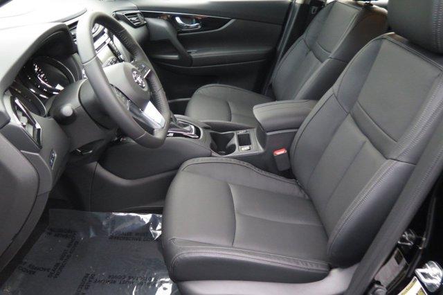 New 2019 Nissan Rogue Sport AWD SL