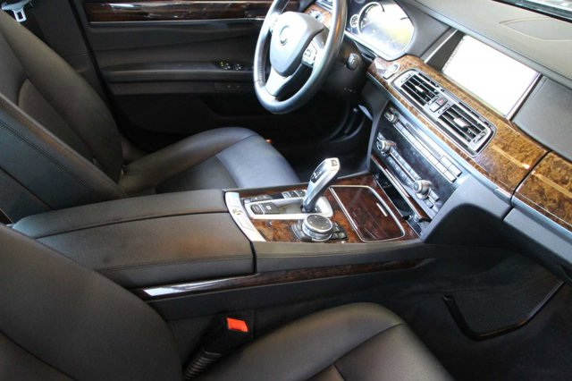 2015 BMW 7 SERIES 740Li 16