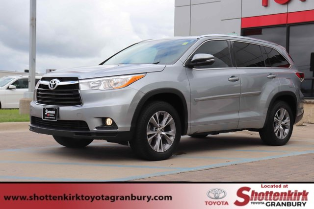 Used 2014 Toyota Highlander in Granbury, TX
