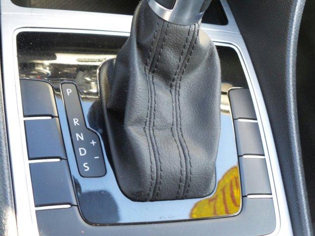 Used 2012 Volkswagen Passat 4dr Sdn 2.0L DSG TDI SE w-Sunroof and Nav
