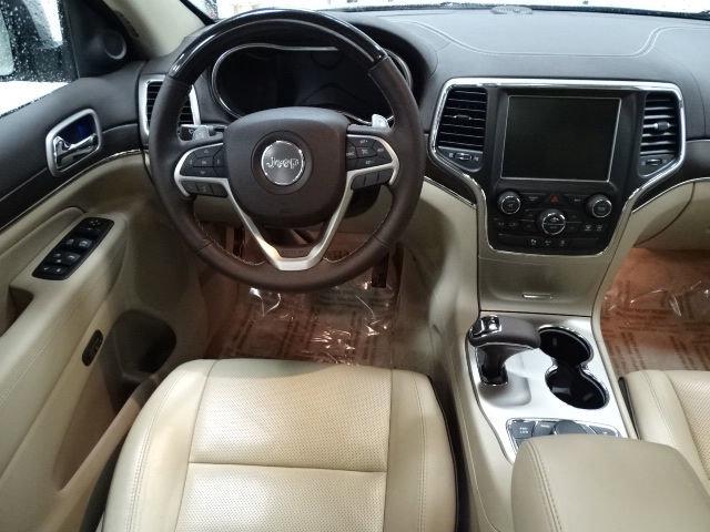 2015 Jeep Grand Cherokee Overland-4x4-Sunroof-Nav-Ht/Cooled Seating