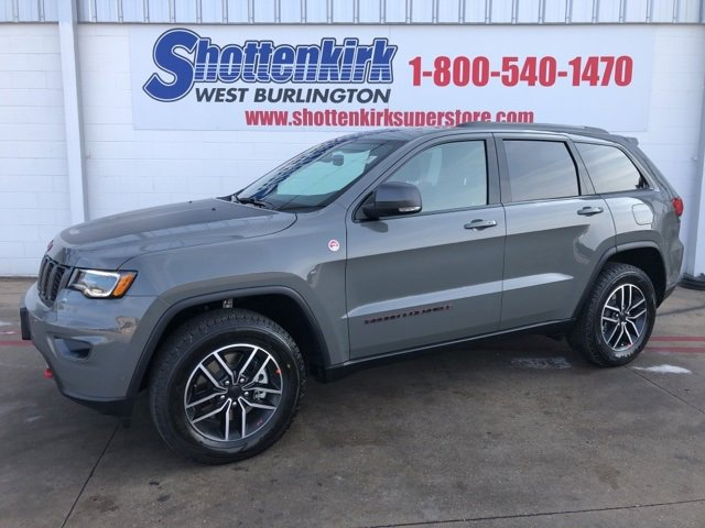 New 2020 Jeep Grand Cherokee in West Burlington, IA
