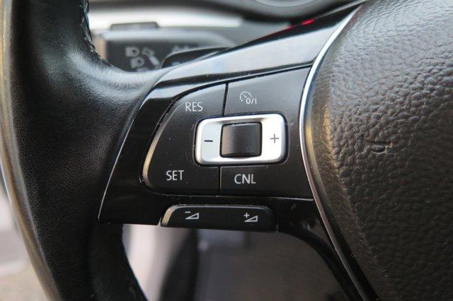 2017 Volkswagen Passat R-Line w-Comfort Pkg Auto