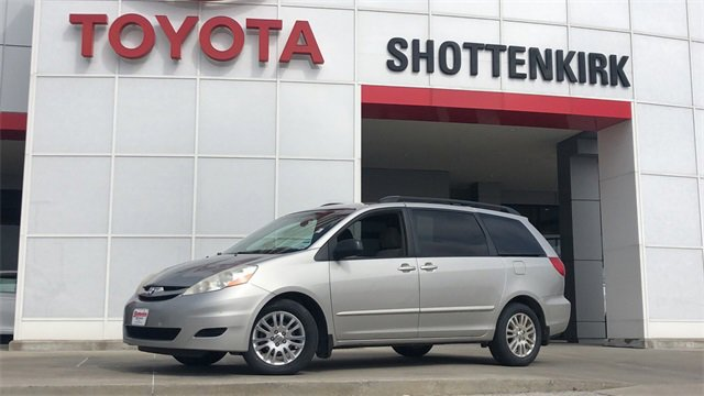 Used 2010 Toyota Sienna in Quincy, IL