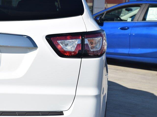 New 2017 Chevrolet Traverse FWD 4dr LS w-1LS