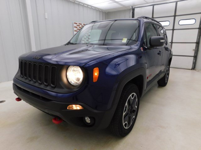 2016 Jeep Renegade Trailhawk photo