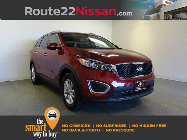 2017 Kia Sorento LX LX AWD Regular Unleaded I-4 2.4 L/144 [1]