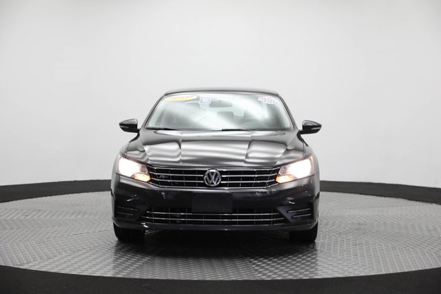 2017 Volkswagen Passat for sale 123652 1