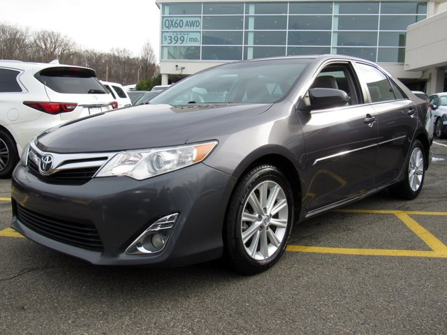 2014 Toyota Camry XLE 1
