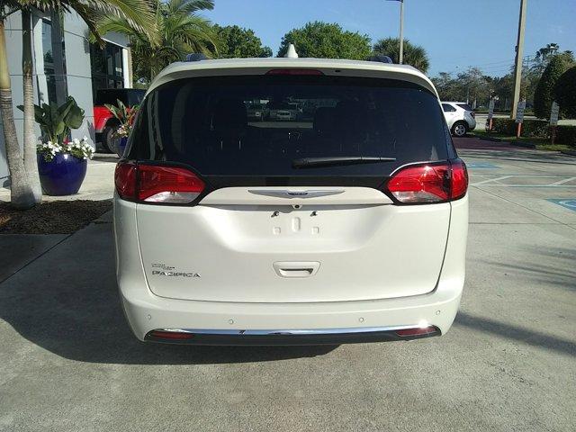 New 2020 Chrysler Pacifica in Vero Beach, FL