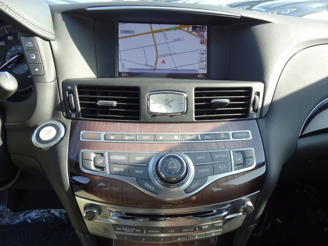 Used 2015 Infiniti Q70L RWD w-Deluxe Tech.