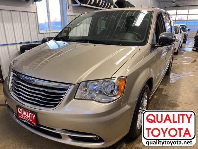 Used 2014 Chrysler Town & Country in ,