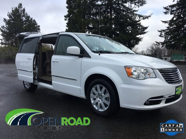 Used 2015 Chrysler Town & Country in Marysville, WA