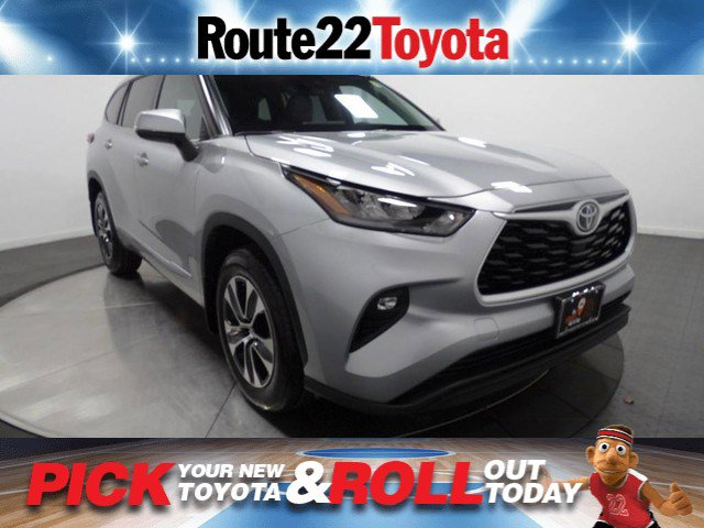 New 2020 Toyota Highlander in Hillside, NJ