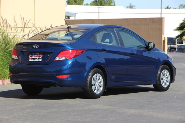 2017 Hyundai Accent SE 4