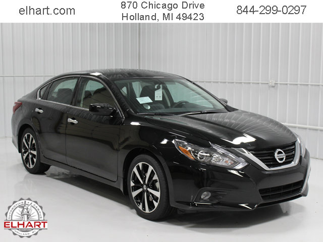 New 2018 Nissan Altima in Holland, MI