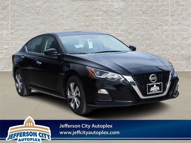 New 2020 Nissan Altima in Jefferson City, MO