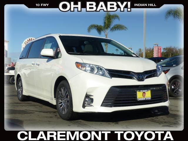 New 2018 Toyota Sienna in Claremont, CA